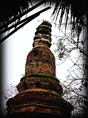 THAILAND-Norden, Chiang Saen, Spitze der alten Chedi , 116a, effecte (roba66 (Thx for 15 Million views)) Tags: travel history thailand temple asia asien urlaub historic explore thai historical thailandia tempel historie chedi geschichte eastasia buddhismus goldenesdreieck earthasia absolutelyperrrfect roba66 chiansaen thailandnorden