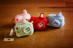 Plush Toy Camera (ruali) Tags: camera kids easter toy photo needlework handmade buttons crochet plush yarn gift present prop aline pretend croche oxente yarnwork ruali