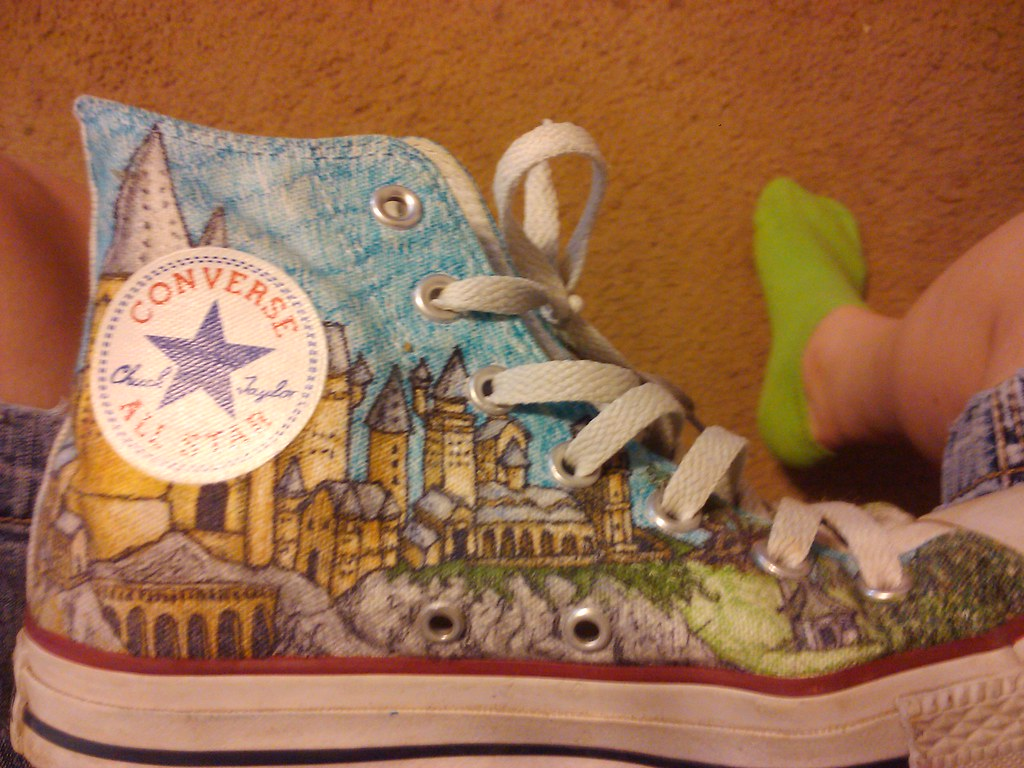 ba74b1c42184e5 Hogwarts (fallonkeegan) Tags  shoes harry potter converse sharpie custom  hogwarts sharpies