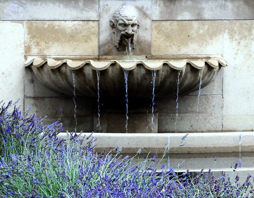 Fountain in the garden of the Rodin Museum