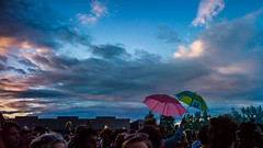 melt 2012 (Winfried Veil) Tags: leica pink blue party sky music cloud green festival umbrella germany deutschland 50mm veil crowd himmel wolken rangefinder rave melt grn blau musik umbrellas summilux asph winfried ferropolis 2012 menge regenschirme m9 schirme masse regenschirm schirm sachsenanhalt grfenhainichen meltfestival bigwheelstage messsucher leicam9 winfriedveil
