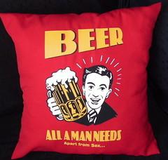 Almohadon beer (Lady Krizia) Tags: beer cerveza pillow vinilo wilwarin estampado almohadon termoestampado allamanneeds