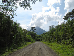 "Parc National Arenal: le volcan Arenal <a style=""margin-left:10px; font-size:0.8em;"" href=""http://www.flickr.com/photos/127723101@N04/26294556654/"" target=""_blank"">@flickr</a>"