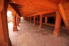 Fatehpur Sikri Palace 115 (David OMalley) Tags: india muslim islam agra palace mosque pilgrimage akbar masjid allah islamic pradesh fatehpur sikri muhammed uttar jama darwaza buland sikari vijaypur