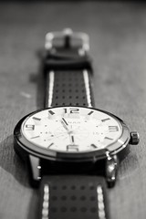 Wristwatch (rc.forte) Tags: blackandwhite bw canon time watch hour hora wristwatch tempo pretoebranco relgio pulso ponteiros 700d t5i canont5i