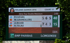 Match point (Carine06) Tags: paris tennis rolandgarros doubles 2016 frenchopen matchpoint claycourt pablocuevas court17 horiatecau marcelgranollers jeanjulienrojer ktt6003