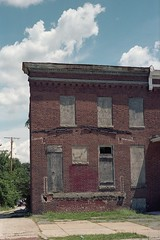 End house (ADMurr) Tags: leica 35mm kodak baltimore portra m4 summaron 2015