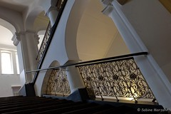 Universitt der Knste Treppe (Sockenhummel) Tags: berlin fuji haus treppe finepix fujifilm railing gebude x30 balustrade udk treppenhaus gelnder universittderknste bundesallee fujix30