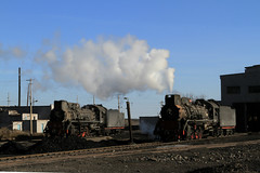 I_B_IMG_7434 (florian_grupp) Tags: china railroad train landscape asia mine desert muslim railway steam xinjiang mikado locomotive ore js steamlocomotive 282 opencastmine yamansu
