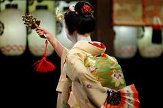 (Tamayura) Tags: japan night mar nikon kyoto maiko kansai d3 2012 miyagawacho higashiyama yasakajinja 70200mmf28gvrii 201203181832370