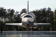 Space Shuttle Discovery is towed into the Smithsonian (mikelynaugh) Tags: smithsonian nasa shuttle discovery udvarhazy spaceshuttlediscovery lynaugh mikelynaugh spottheshuttle