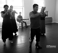 2012-07-07 14.22.46 (Marisol Apostol / WinkArtisans) Tags: man fan dancers dancing carlos sur guitarist flamenco abanico maledancer spanishdancing villatoro femaledancer