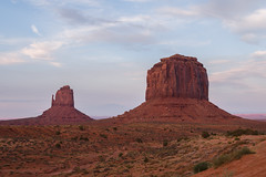 Monument Valley (robvaughnphoto.com) Tags: monument utah valley navajo monumentvalley navjo rjvtog
