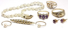 1068. Amethyst, Diamond and Pearl Grouping