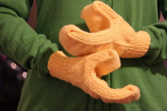 Free Halloween knitting patterns: Lego man mitts by Carissa Browning