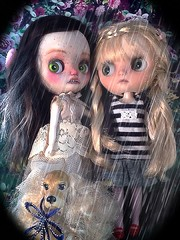 Toy-in-the-Frame Thursday & Blythe-a-Day May#25 Two of us&#26 Rain: Nerissa & Becky