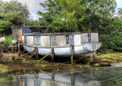 Home From Home? (clivea2z) Tags: greatbritain boat haylingisland houseboat hampshire hdr dilapidated chichesterharbour tonemapping menghamrythe
