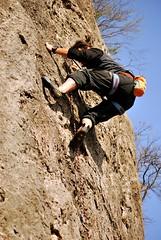 Resistenza e dominio (Reflexionist) Tags: mountain rock stone climb nikon rocks mani climbing roccia rockclimbing falesia montagna arrampicata salita corda scalata nikond60 ancoraggio arrampicatasportiva ancoraggi lantanabergamo castrobergamo