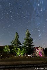 Hay alguien ahi? (Nacho Grande Ullan) Tags: longexposure lightpainting night train stars tren noche spain estrellas buitrago