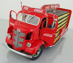 1938 GMC Delivery-Coca Cola Bottling Company (JCarnutz) Tags: 1938 cocacola gmc deliverytruck diecast 124scale danburymint