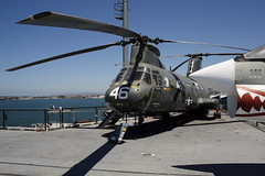 CH-46 Sea Knight (CER2009) Tags: ussmidway ch46seaknight
