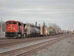 CN 8906 (MIKE PINBALL CLEMONS) Tags: railroad usa canada cn bench steel stock engine rail railway trains locomotive rolling unit foamer 8906