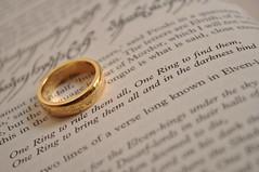 book nikon lord ring lotr rings page lordoftherings onering goldring straightoutofthecamera sooc d5000 nikond5000 goldonering