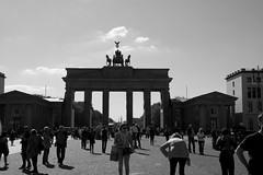 Brandenburger Tor (hdejong57) Tags: berlin unterdenlinden reichstag potsdamerplatz sonycenter brandenburgertor siegessule sightseeings kpenick kaiserwilhelmgedchtniskirche bundeskanzleramt holocaustdenkmal citytrip themauer