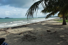 A little distance from the waves (jeanlopez400) Tags: puerto rico fajardo