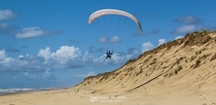 IMG_9163 (Laurent Merle) Tags: beach fly outdoor dune cte vol paragliding soaring ozone plage parapente atlantique ocan glisse littlecloud spiruline