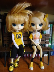 Luke & Leia collection (Lunalila1) Tags: yellow outfit twins doll handmade luke dal collection groove len rin leia vocaloid kagamine