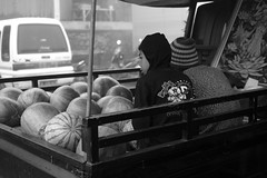 L1051757ok (ferry160102) Tags: street people bw bali market brother traditional humaninterest kintamani rokkor40 leicam82