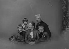 PEM-CHA-N01406 Fotograf Christian Hansen med familie