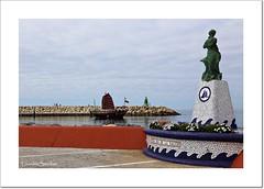 Puerto Marina (Lourdes S.C.) Tags: mar andaluca barcos estatua puertos espign puertomarina barcosavela provinciademlaga puertosdeportivos