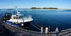 Retour de pche, Le Croisic (claude.lacourarie) Tags: sea mer france ship fisher bateau pcheurs lecroisic
