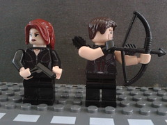 The Avengers: Hawkeye and Black Widow. (CustomLego) Tags: black movie team gun lego bow hawkeye arrow heroes widow avengers assassins