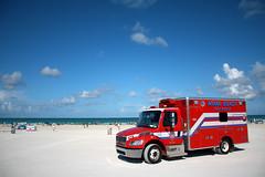 Miami Beach Fire Rescue (Americo Nunes) Tags: blue sky rescue cloud praia beach azul truck fire miami cu nuvem caminho resgate bombeiros
