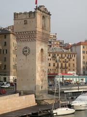 La Torretta, Savona (twiga_swala) Tags: italy architecture port italian italia torre medieval porto leon della medioevale savona ligura torretta quarda pancaldo
