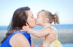 Kisses! (Heidi Hope) Tags: h childrensphotographer rhodeislandphotographer heidihopephotography heidihope httpwwwheidihopecom rhodeislandportraitphotographer rhodeislandfamilyportraits rhodeislandchildrenportraitphotography rhodeislandbabyportraitphotography
