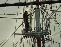 Cutty Sark Sailor (kenjonbro) Tags: uk england sailboat sails repair cuttysark sailor rigging workman teaclipper superzoom rigger se10 kenjonbro royalgreenwich fujifilmfinepixhs10 fujihs10