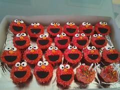 Elmo cupcakes by Brenda L., www.birthdaycakes4free.com