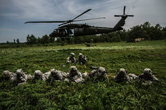 STRIKE Air Assault (The U.S. Army) Tags: airassault fortcampbell 1stbattalion 2ndbrigadecombatteam 320thfieldartilleryregiment