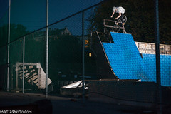 FootJam (Mateusz Wieczorek) Tags: bike bicycle oslo norway canon 50mm bmx skatepark trick f18 sykkel miniramp jordal norde triks footjam strobist yongnuo canon5dmk2 5dmk2 rf602 yn560