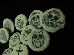 (Julia de Oliveira.) Tags: cute heart handmade artesanato gifts owl anchor fuxico sugarskull
