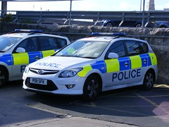 2076 - Lancashire Constabulary - Hyundai i30 - PO11 SDY (Call the Cops 999) Tags: uk england car station 30 united july police lancashire led vehicles vehicle service monday emergency hyundai blackpool patrol services 2012 battenburg response i30 lightbar kingdon constabulary sfk dscf6536 po11
