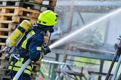 RHN, Brand Gewerbebetrieb (keb_fotografie) Tags: fotografie nrw brand feuer feuerwehr wache keb rheine freiwillige brandbekämpfung brandeinsatz hauptamtliche gewerbebetrieb