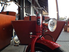 VanAndel Azor Bakfiets Cargo Bikes at Flying Pigeon LA bike shop (ubrayj02) Tags: bikes cargo azor cargobike bakfiets bakfietsen cargocycling bikela flyingpigeonla