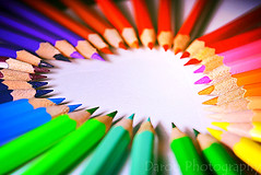 Amor a los lpices - Love pencils (Daroo Photography) Tags: pink blue light shadow red orange white blur color macro verde green love blanco luz colors yellow azul pencil pencils creativity photography rojo nikon flickr heart amor violet lapiz rosa objects sombra colores objetos sharp amarillo desenfoque 5200 fotografia naranja creatividad corazon violeta lpices celeste nitidez daroo d5200 daroophotography