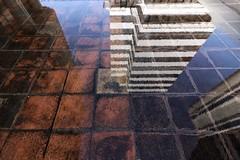 Archi reflets 1 (Nadge Gascon) Tags: architecture canon bordeaux 1018 reflets couleur graphisme graphique meriadeck 760d