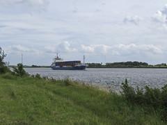 Anja (Dimormar!) Tags: river anja containers wandeling schip oudemaas rivier hoogvliet meeuwenplaat